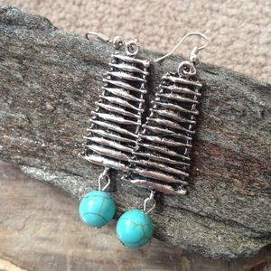 Jewelry - Turquoise dangle earrings