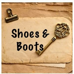 Shoes - More than 35 pairs of shoes/boots available!