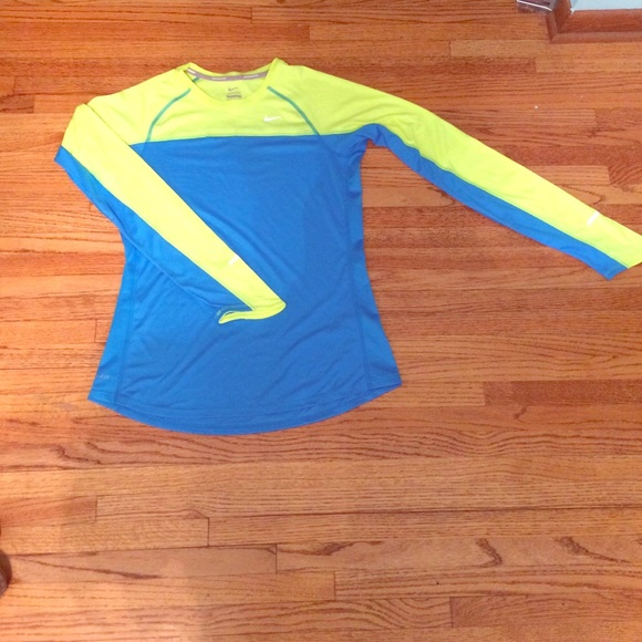 80 Off Nike Tops M Nike Run Shirt From Meg 39 S Closet On