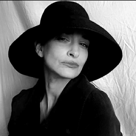 0384d0942ccbe Vintage Black Straw Audrey Hepburn Hat. M 55fcc6d1bf6df5bcf0004563