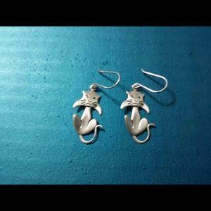 Sterling silver cat dangle earrings