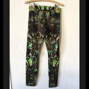 4b38fd0adda3f9 Helmut Lang Pants - NEW Helmut Lang Cicada Reflex Lizard print legging