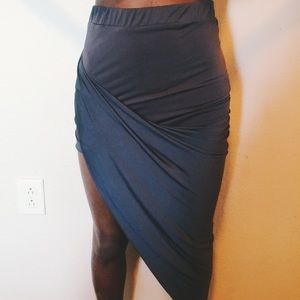 Diagonal skirt.