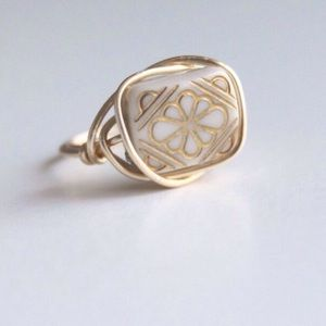 Vintage Style Gold Etched Ring