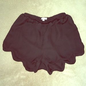 Day & Night Pants - Black Scalloped Edge Shorts