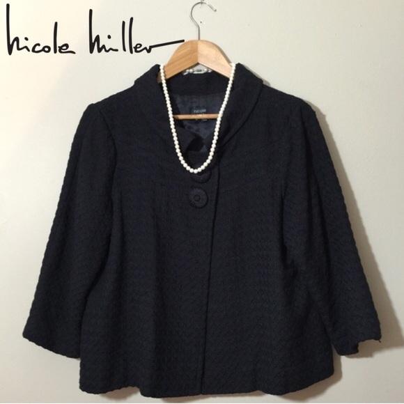 Nicole Miller Black Swing Blazer w/ Box Pleat Back