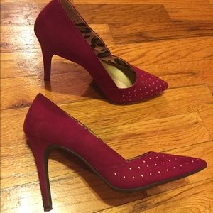 Christian Siriano Shoes - 💖 Wine Colored Gold Accent Heals Sz. 7