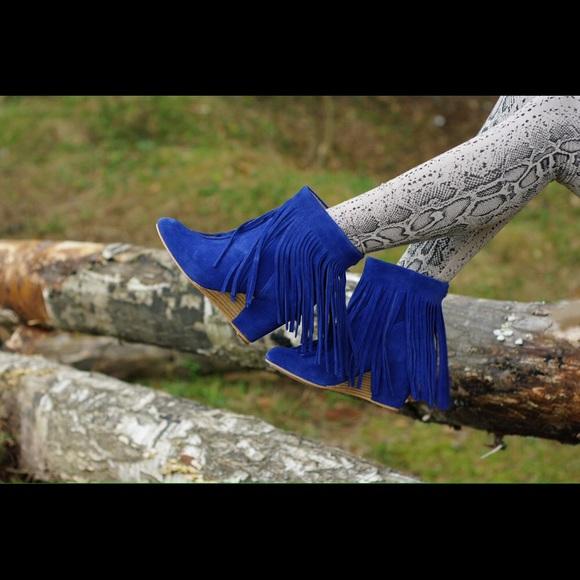 84% off Koolaburra Boots - 😍Koolaburra Zarin Blue Suede Fringe ...
