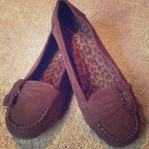 Chocolate Brown Bow accent Flats