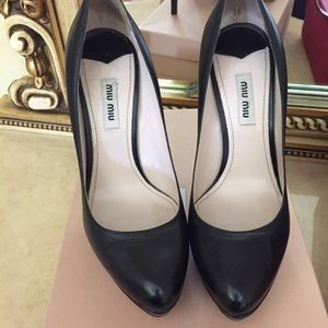 Miu miu black classic pumps high heels worn once
