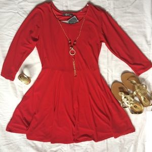 Pinc Dresses & Skirts - Red Flowy Dress with Sleeves and Necklace