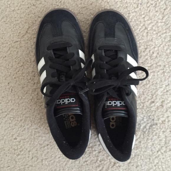 Le Adidas Samba, Taglia 45 Poshmark Uomo65 Donne Poshmark 45 5f670b