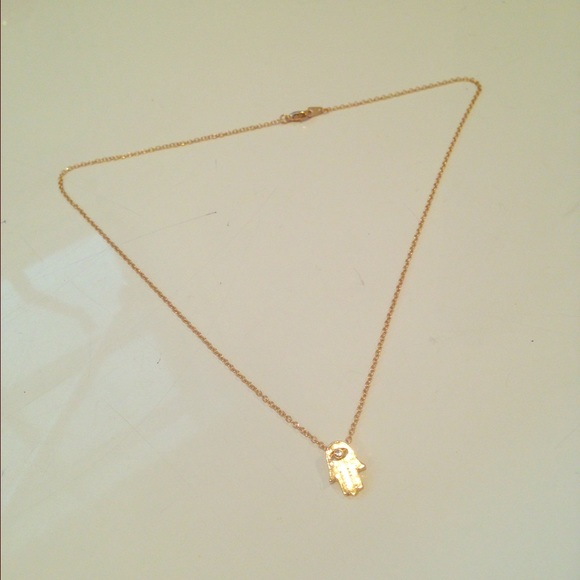 Gold Hamsa hand necklace !!! OS from Chloe's closet on ...
