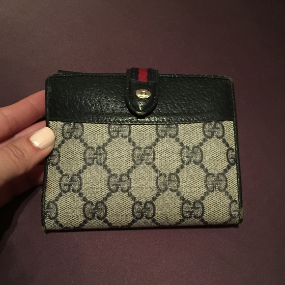 18344104001086 Gucci Clutches & Wallets - Authentic Gucci Vintage wallet