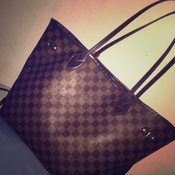 Louis Vuitton Handbags - Used authentic LV neverfull MM. 5 10 condition. 937c3bab7837e