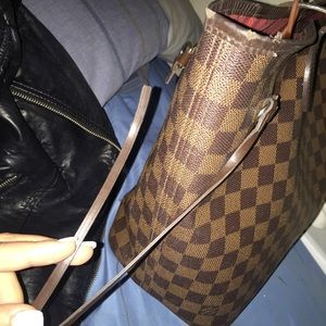 Louis Vuitton Bags - Used authentic LV neverfull MM. 5 10 condition. 906f4370ee687