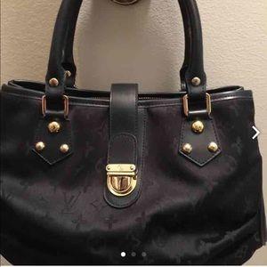 how to authenticate a prada handbag