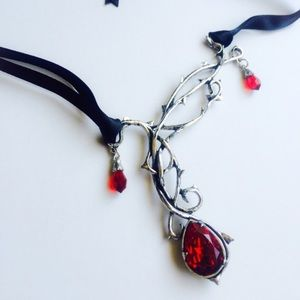 Passion RoseTrellis Swarovski Crystal Necklace