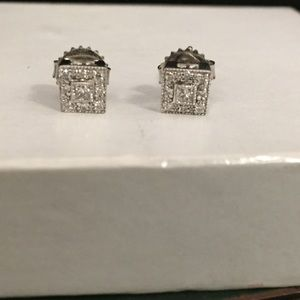 Jewelry - White gold and diamond earrings