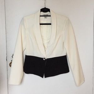 Forever 21 Jackets & Blazers - Forever 21 cream and black blazer