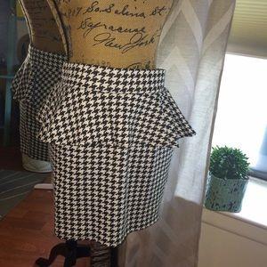 Dresses & Skirts - Stretch Black & White herringbone peplum skirt L