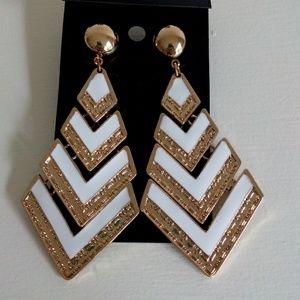 Jewelry - ★Free Earrings★ Gold & White Earrings