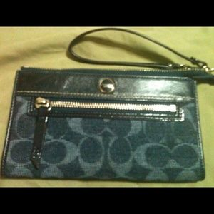Coach  Large Denim Wallet/Wristlet Extra Pictures