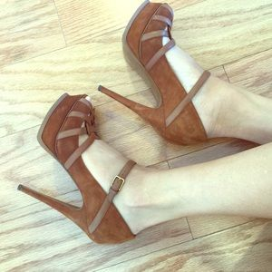 Yves Saint Laurent Shoes - Yves Saint Laurent tribute heels in cognac