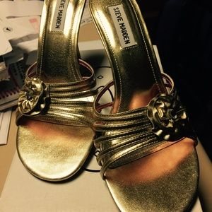 NWOT Steve Madden perfect gold sandals - sz. 8.5