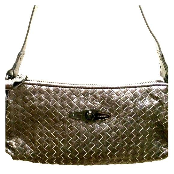 Elliott Lucca Handbags - 🌟SALE 🌟Elliot Lucca Silver Purse 4349be5039360