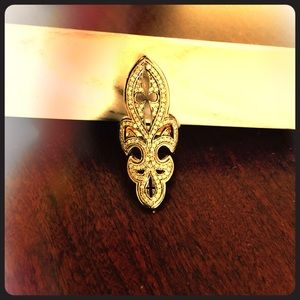Jewelry - Diamond Fleur de lis ring