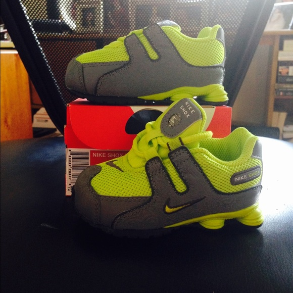Nike shox nz infant size 5 5c gray and lime green