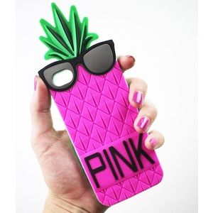 PINK Victoria's Secret Accessories - Soft iPhone case 5/5S pink pineapple