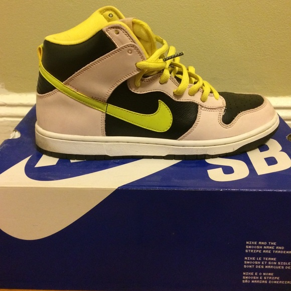 brand new 0caf8 826f8 ... Miss Piggy K02014 Nike Shoes - Nike dunk high premium sb .