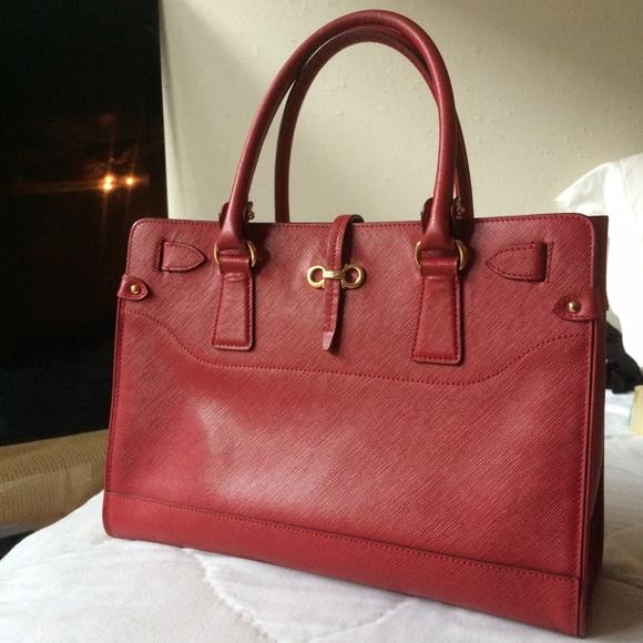 167e86d64e4a Salvatore Ferragamo Red small  Brianna  tote bag. M 55594739291a357ebd00cdb1