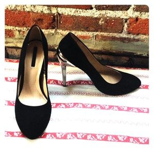 Zara black suede pumps