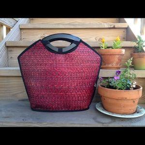 Natural fiber woven handbag