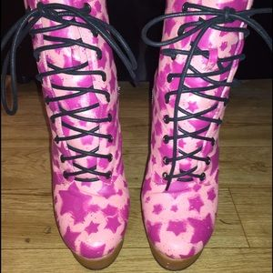 Boots - The Pink Star Booties