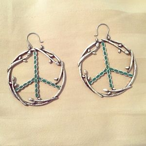Peace sign earrings ✌️