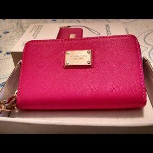 .Authentic Michael Kors Wallet