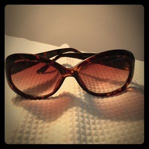 BCBG Accessories - BCBG Tortoise Shell Sunglasses