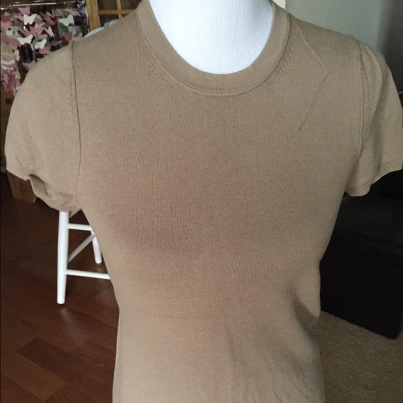 1cceba275 Banana Republic Tops - Short sleeve smooth knit sweater