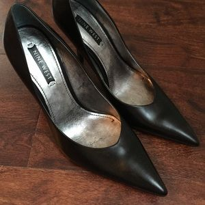 8bd296d876b Nine West Shoes - Nine West black pointed toe heels