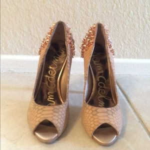 Sam Edelman High Pumps