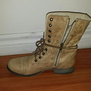 30 off steve madden boots troopa combat boots from for Combat portent 30 18