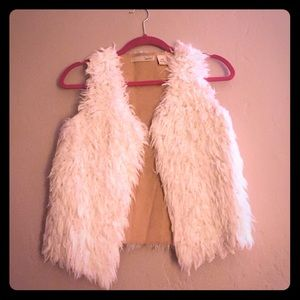 Faux fur white vest
