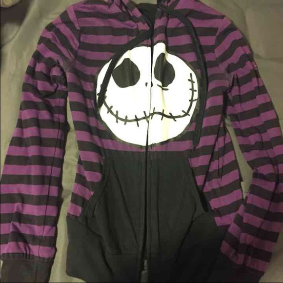 Hot Topic Nightmare Before Christmas Sweater.Nightmare Before Christmas Sweater