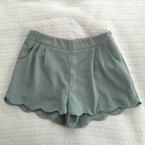 Scallop hem seafoam shorts