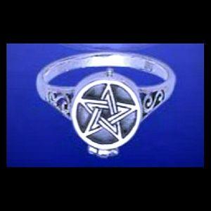 Vintage Celtic Signed Peter Stone Poison Ring