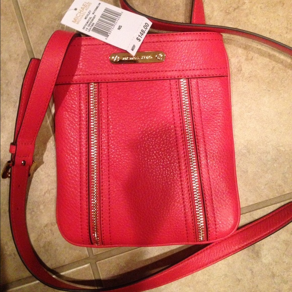 02e94249c59b Michael Kors Bags | Moxley Cross Body Bag | Poshmark